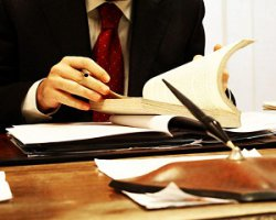 Когда нужны услуги судебного адвоката?