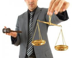Советы: как правильно выбрать адвоката